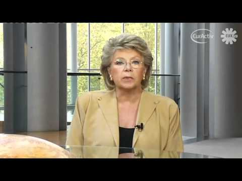 Viviane Reding issues video statement on Roma