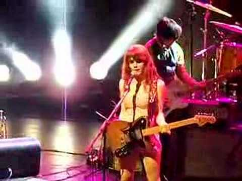 RILO KILEY   NYC   JUNE 5   ENCORE  FOXES PLUS