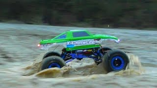TUNED RC CRAWLER IN ACTION! COOL RC BARRAGE & X-CRAWLEE! NICE FUN WITH REMOTE CONTROL CARS