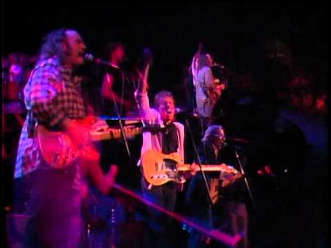 Crosby, Stills & Nash - Love The One Youre With