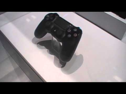 Sony PlayStation 4 controller close-up at GDC 2013, but still no console...