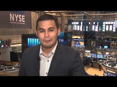 Closing Bell Happy Hour: Stocks slip, dead data day, HP splits in two