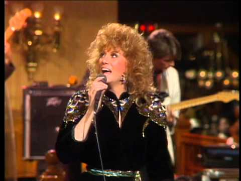 Dottie West - Aint Nothin Like A Woman