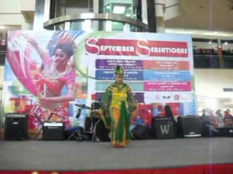 Tari Merak Wetanan Performed By Spectra Dance video