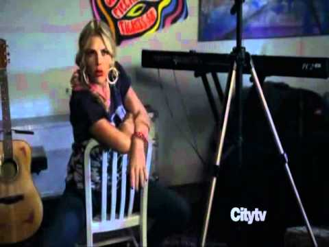 Cougar Town: Laurie tells Travis fav photo postions