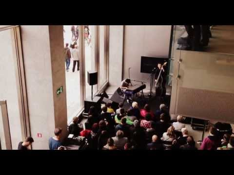 Please don't stop the Music - Jamie Cullum live @ Apple Store Jungfernstieg