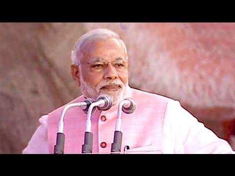 PM Modi praises media's role in 'Clean India' campaign