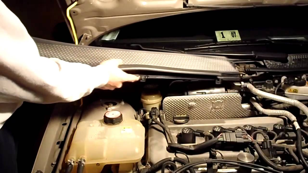 How to Change the Cabin Air Filter in a Toyota photo