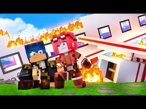 Minecraft ITA - IL NOSTRO AEREO SI E' SCHIANTATO!!