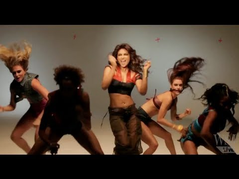 Priyanka Chopra & The Rise Of South Asian Culture video