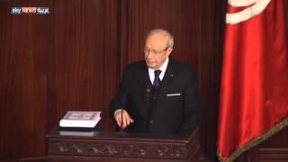 السبسي يتسلم مقاليد الحكم بتونس