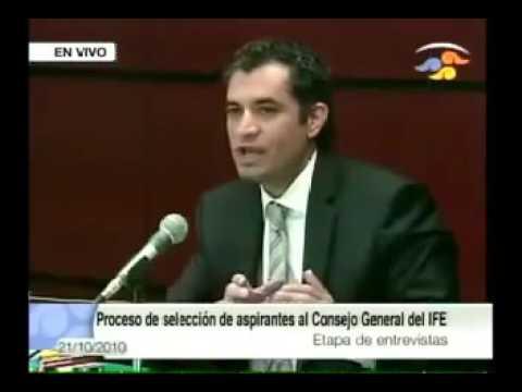 Cuando quería ser consejero en el IFE, Ochoa Reza negó ser priista; ahora presume su credencial