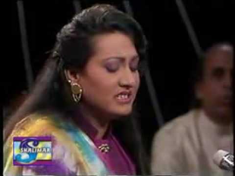 Chahat Mein Kya Duniya Dari Gul Bahar Bano video
