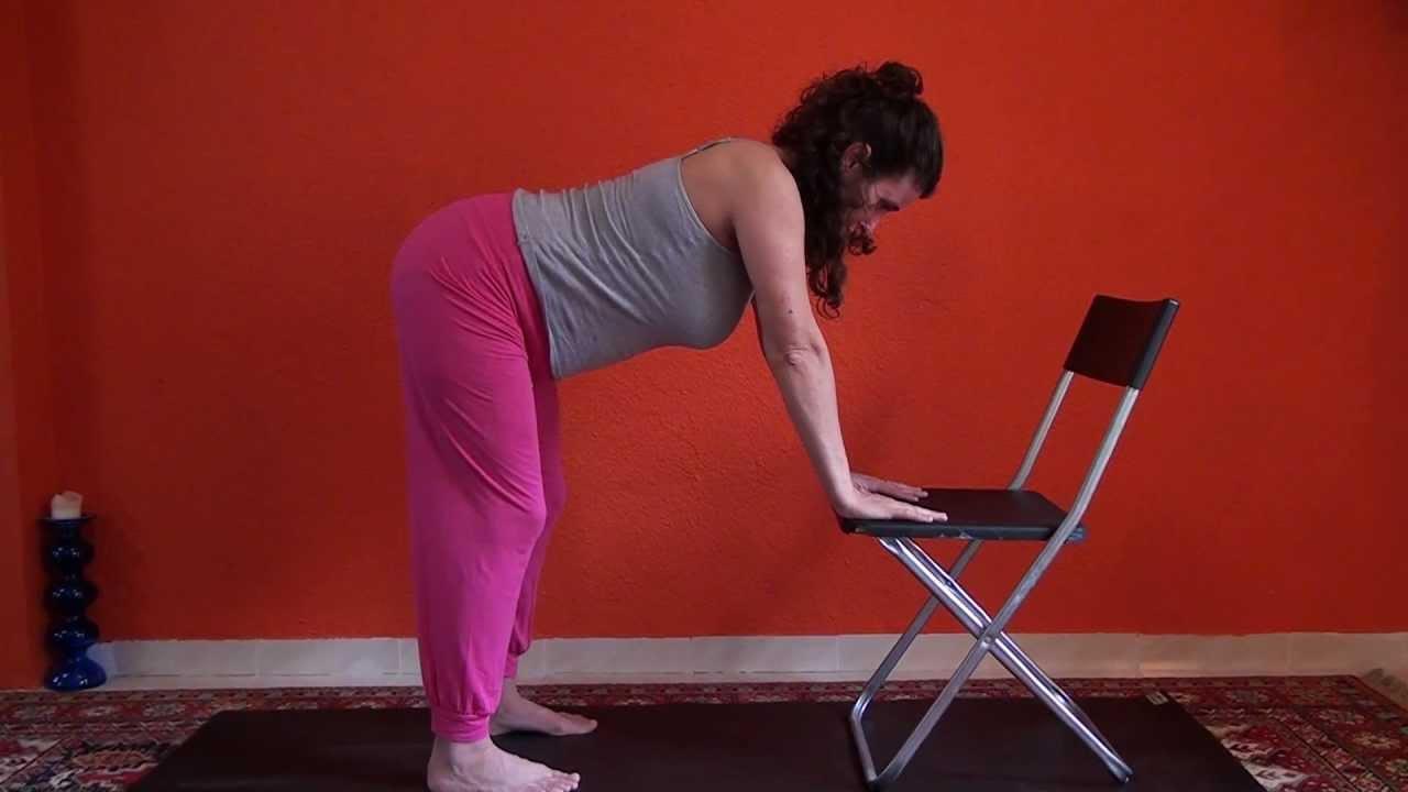 Ejercicio para aliviar la espalda con silla youtube - Sillas para la espalda ...