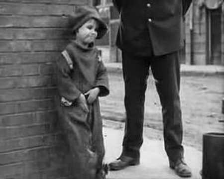 the kid chaplin Уважаемые посетители luxfilmru - полное видео charlie chaplin 'the kid' 1921 full movie hd вы можете смотреть.