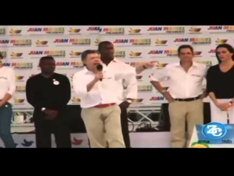 President of Colombian piss is Public  | Colombian President Appears To Wet His Pants