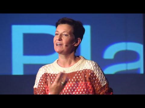 TEDxJoven@RíodelaPlata - Liliana Bodoc - Mentir para decir la verdad