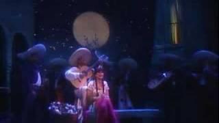 Watch Linda Ronstadt Hay Unos Ojos video