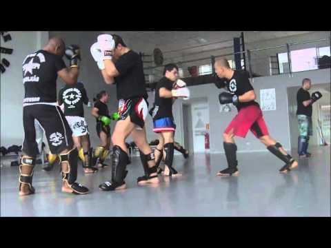 Veja o treino um dos treinos semanais da Chute Boxe