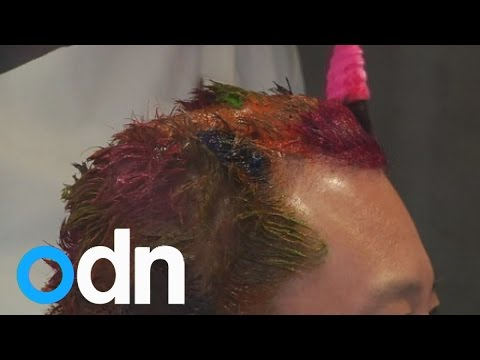 Japan barber offers 'crazy' haircuts for Christmas