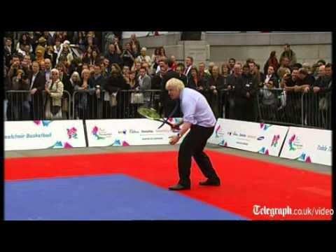 Boris and Cameron attempt Paralympic tennis