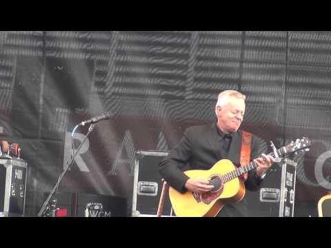 Tommy Emmanuel - full set Guitar Town 8-9-14 Copper Mtn., CO HD tripod