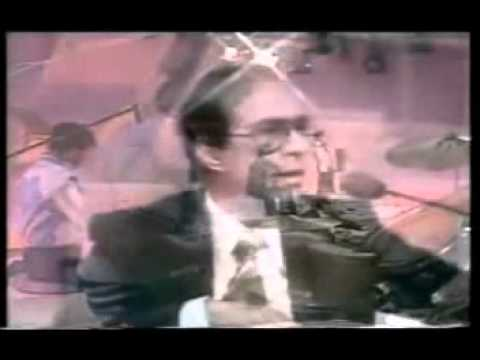 A Tribute To A Great Legend Talat Mehmood - Live video