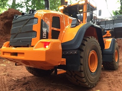 NEW Volvo L250G 2nd Gen. building a road - THS Seipt