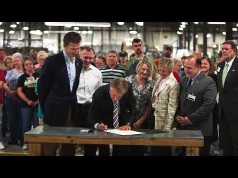 Gov. Bill Haslam: Signing the Tennessee Promise