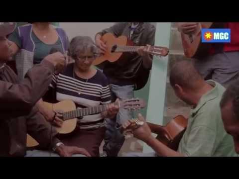 Tocatina com Fatima e o grupo em Ribeira  Prata S�o Nicolau Cabo Verde