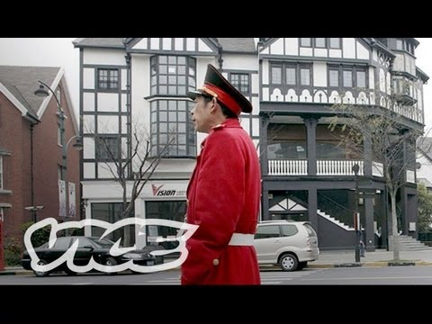 China's Ghost Towns: Strolling the Thames (VICE on HBO Ep. #6 Extended)
