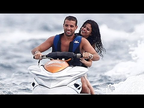 Selena Gomez Celebrates Birthday With New Man
