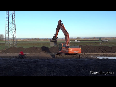 Doosan DX300LC building a new road