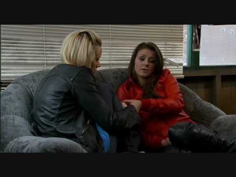Corrie Lesbian Kiss - Sian And Sophie video