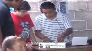 FAKE DJ impresses audience, Forgot to plug mixers power cord! EPIC FAIL :D