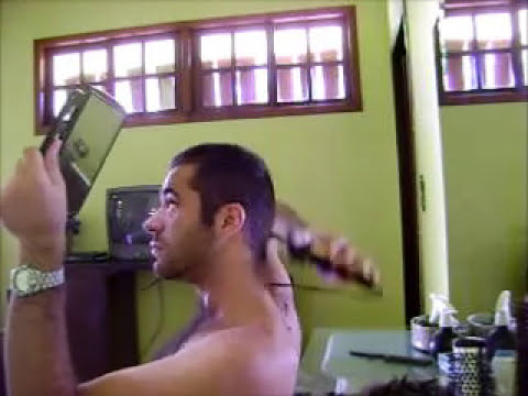 Cortando cabelo - Cutting Hair