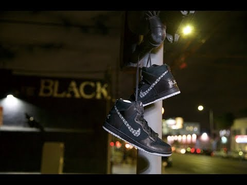 "BLACK X NIKE SB ""Bar Black Dunk"" 10/27/18"