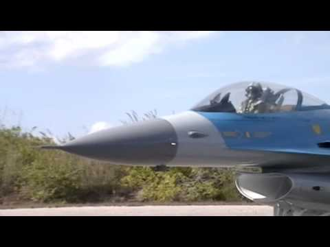 Huge 1/5 Scale F-16 R/C Turbine Power Maiden Flight