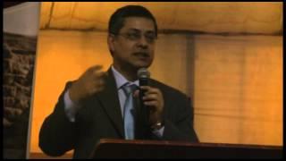 Ing.  Adrián Armas Rivas, Gerente General de Estudios Económicos  BCRP en NORTEMIN 2014