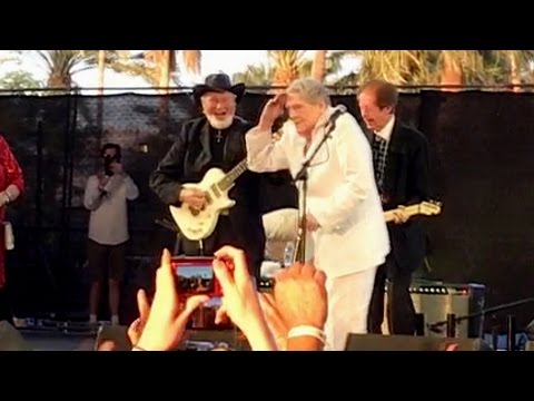 Jerry Lee Lewis - Whole Lotta Shakin Going On - Stagecoach 2017