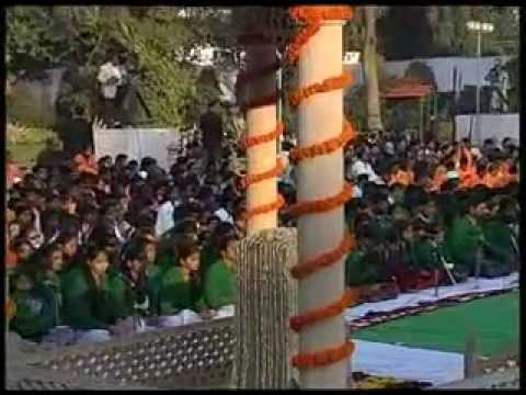 Nation pays homage to Mahatma Gandhi
