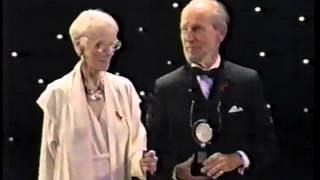 Jessica Tandy & Hume Cronyn receive 1994 Tony Award for Lifetime Achievement