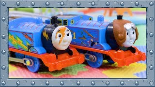 Thomas or Thomas???  Who is more powerful? | Trackmaster | Thomas and Friends #78
