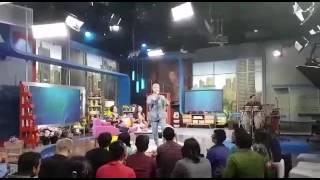 "download lagu ""definisi Bahagia"" Vidi Aldiano Live  Sarah Sechan - gratis"