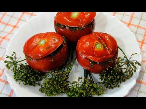 Малосольные помидоры с чесноком и зеленью. Вкусно. Быстро. Просто