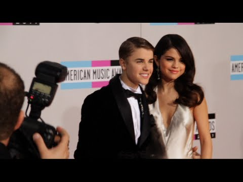 Justin Bieber & Selena Gomez on the Red Carpet at the American Music Awards 2011 thumbnail