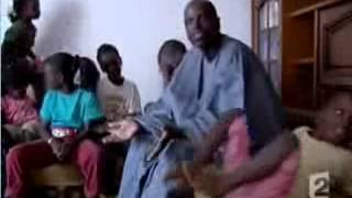Emigré sénégalais | 2 femmes 17 enfants  - Total 9000€ d'allocation