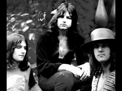 Emerson Lake And Palmer - Closer To Believing