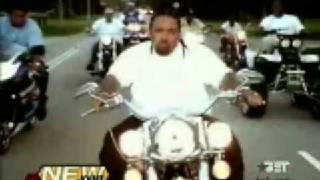 Watch Lil Wayne Shine video