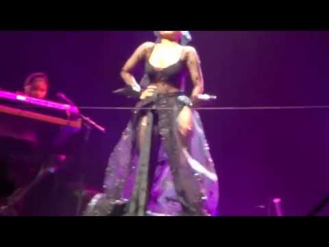 Nicki Minaj - Pink Print Tour OPENING - All Things Go (Stockholm)